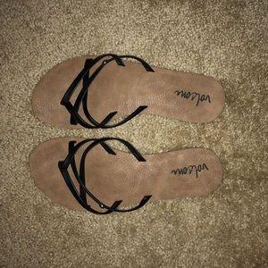 Women's Volcom flip flops
